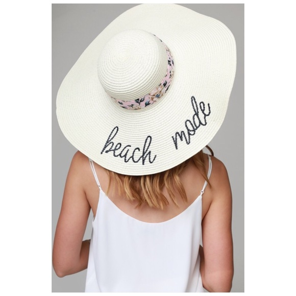 Accessories - Beach Mode Floppy Sun Hat NWT